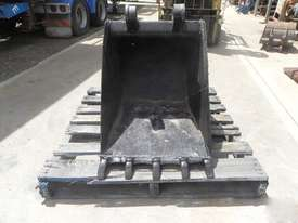 Custom  Bucket-GP Attachments - picture0' - Click to enlarge