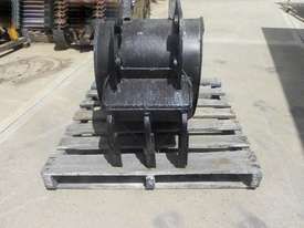 Custom  Bucket-GP Attachments - picture2' - Click to enlarge