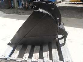 Custom  Bucket-GP Attachments - picture3' - Click to enlarge