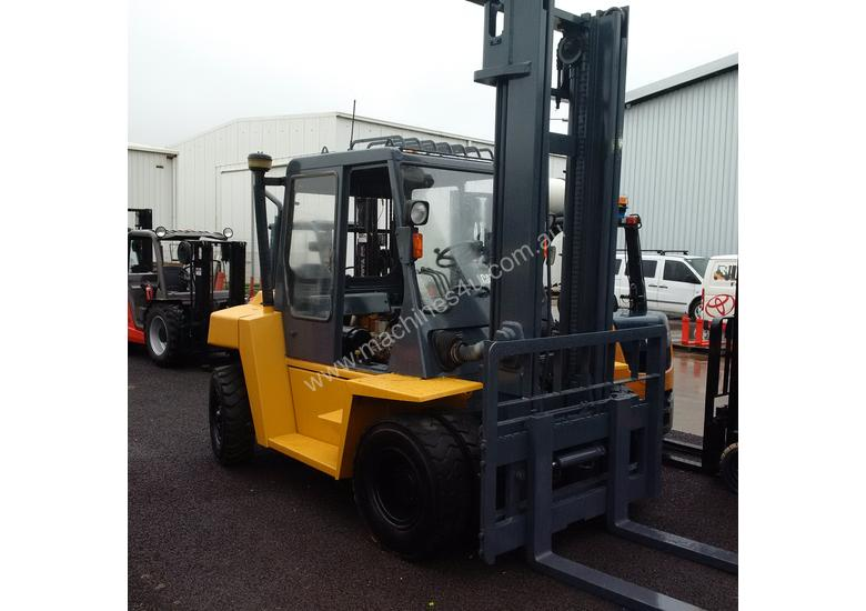 CATERPILLAR DP60 6 TONNE FORKLIFT VERY STRONG AND RELIABLE