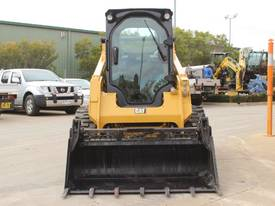 2014 CAT 242D SKID STEER LOADER - picture2' - Click to enlarge