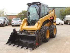 2014 CAT 242D SKID STEER LOADER - picture3' - Click to enlarge
