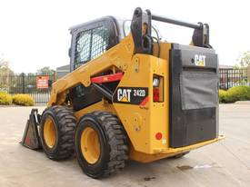2014 CAT 242D SKID STEER LOADER - picture5' - Click to enlarge