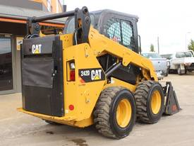 2014 CAT 242D SKID STEER LOADER - picture7' - Click to enlarge