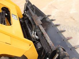2014 CAT 242D SKID STEER LOADER - picture13' - Click to enlarge