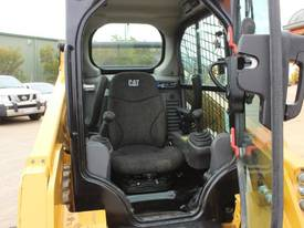 2014 CAT 242D SKID STEER LOADER - picture17' - Click to enlarge