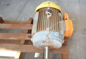 WEG INDUSTRIAL 25HP 3 PHASE ELECTRIC MOTOR/1440RPM