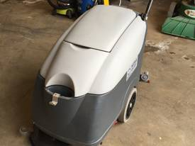 Nilfisk CA410 scrubber electric - picture1' - Click to enlarge