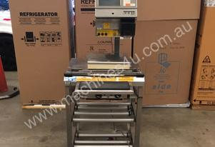 WEDDERBURN MANUAL FOOD WRAPING STAND WITH SCALES