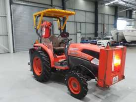 Kubota L3540D FWA Tractor - picture4' - Click to enlarge