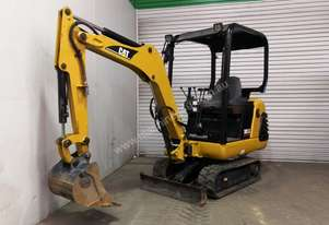 CATERPILLAR 301.5 1.8T MINI EXCAVATOR S/N -372