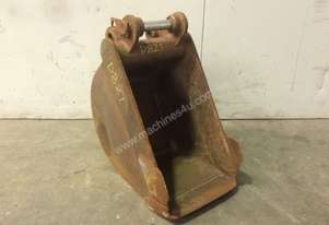 300MM SAND BUCKET WITH LIFTING HOOK SUIT 1-2T EXCAVATOR D821