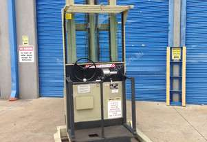 Crown   Stockpicker Forklift