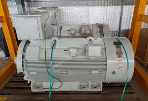 350 KW 2012 Toshiba Tmeic Electric Motor 6600 Volt 3 Phase BB30-PM-421000 Type IDF-CHKW11 Frame 400H