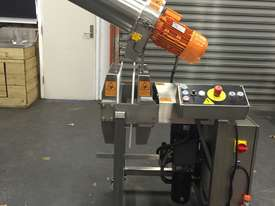 Commercial Cold Press Juicer - FP50 - picture0' - Click to enlarge