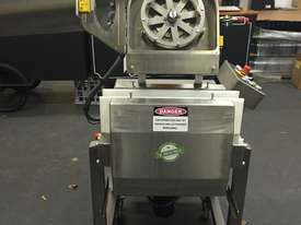 Commercial Cold Press Juicer - FP50 - picture2' - Click to enlarge