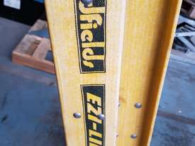 Extension Ladder Fiberglass 6.4 metre Oldfields Ezi Lift Industrial Ladders - picture3' - Click to enlarge
