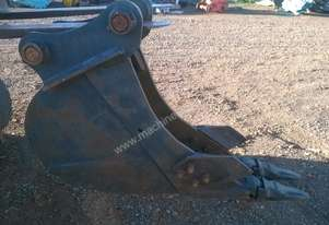 EXCAVATOR 12 TON 300 mm WIDE KOBELCO BUCKET