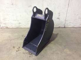 UNUSED 250MM BUCKET WITH BLANK HOOKUPS SUIT 1-2T EXCAVATOR D954 - picture0' - Click to enlarge