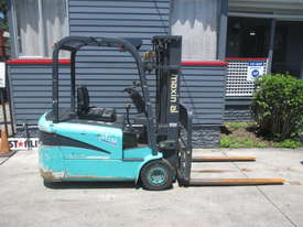 Maximal Electric, Container Mast Used Forklift - picture0' - Click to enlarge