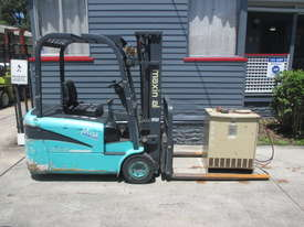 Maximal Electric, Container Mast Used Forklift - picture1' - Click to enlarge