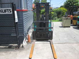 Maximal Electric, Container Mast Used Forklift - picture3' - Click to enlarge