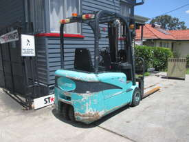 Maximal Electric, Container Mast Used Forklift - picture4' - Click to enlarge