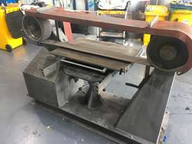 Large Belt Linisher machine with sliding table - picture8' - Click to enlarge