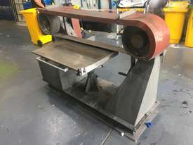 Large Belt Linisher machine with sliding table - picture10' - Click to enlarge