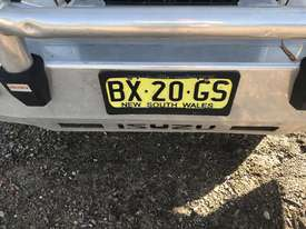 Isuzu tipper chipper,Aluminium borcat bin & Toolbox, bullbar, 139 000km, diff locker, towbar, as new - picture1' - Click to enlarge