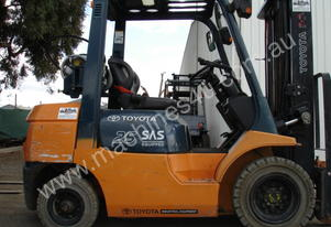 Toyota 42-7FG25 7 SERIES FORKLIFT GREAT MODEL  2.5 TON