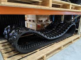 Genuine Rubber tracks - picture2' - Click to enlarge