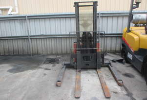 Walkie Stacker 1.2 ton Container Entry Mast