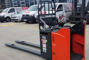 Used Forklift:  T24SP Genuine Preowned Linde 2.4t