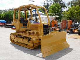 CATERPILLAR D4G XL Bulldozer / CAT D4 w Sweeps DOZCATG - picture3' - Click to enlarge