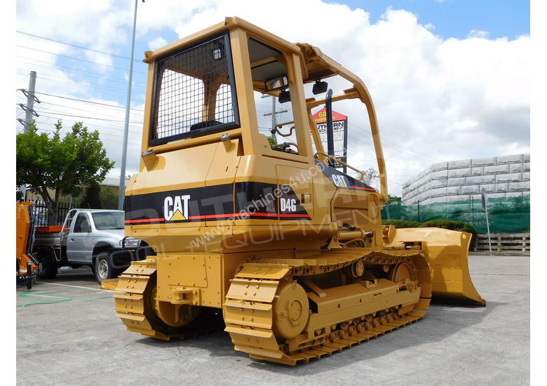 CATERPILLAR D4G XL Bulldozer / CAT D4 w Sweeps DOZCATG