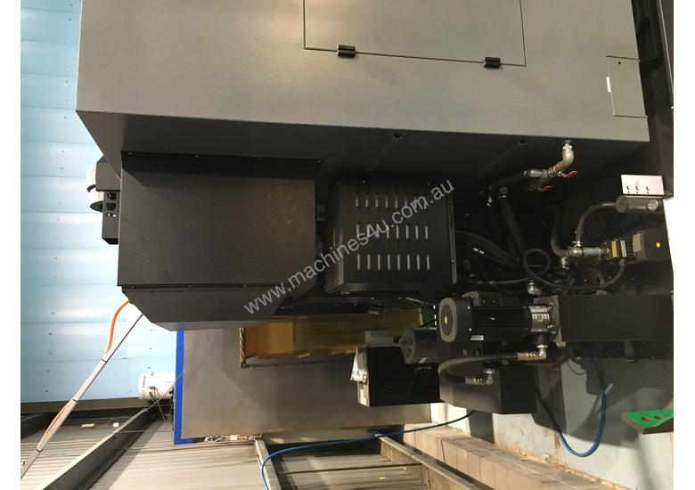Used 2019 hurco VMX-42UI Vertical Machining Centre 5 Axis or