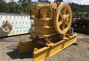Hadfield 20 x 10 DTRB Jaw Crusher on stand