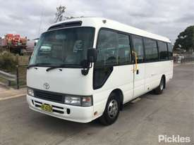 2005 Toyota Coaster 50 Series Deluxe - picture2' - Click to enlarge