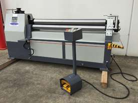 Late Model Just In 1300mm x 4mm Powered Rollers With End Stub Rollers - picture0' - Click to enlarge