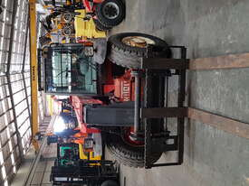 Manitou MLT523 Telehandler - picture1' - Click to enlarge