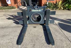 USED EX-DEMO MERLO TREEMME FORK ROTATOR A3211 CDC (SUITS P60.10EE)  **GREAT CONDITION**