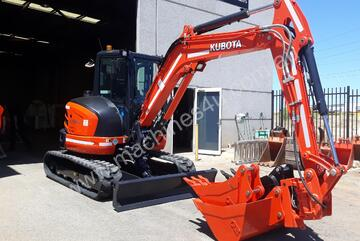 5.5t Excavator with Tilting Hitch for