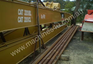Caterpillar Long Reach Boom Suit Cat 320