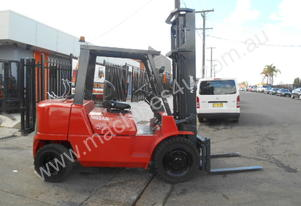 NISSAN Forklift  4 TON 4500mm Lift Side Shift