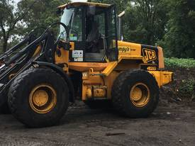 JCB LOADER, BUCKET WITH SCALES AND CRANE ARM - QUI