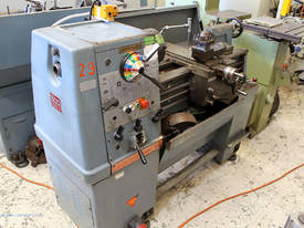 Colchester Master 2500 centre lathe - picture0' - Click to enlarge