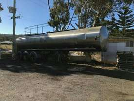 28000 lt  STAINLESS STEEL TANKER  - picture2' - Click to enlarge