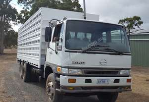 Hino FM 2001 6x4 axle grouping Truck & cattle/shee