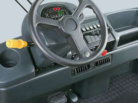 Linde Series 127 P250 Electric Tow Tractors - picture1' - Click to enlarge